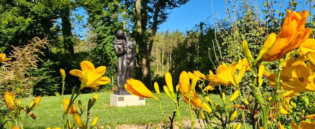 Garden of Love : 6 bronzes by Gudmar Olovson